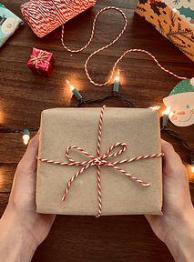 Co kupić na prezent osobie, której dobrze nie znasz? Spieszymy z pomocą!