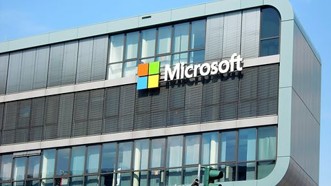 Microsoft drugą firmą technologiczną wartą ponad 1 bln dol. Sukces Office'a 365