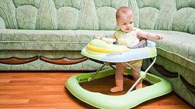 Chodziki są niebezpieczne dla zdrowia dziecka. Uważaj na urazy (WIDEO)