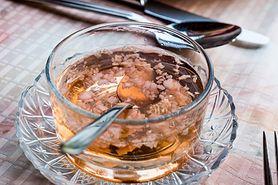 W jaki sposób działa mikstura z czosnku i miodu spożywana na pusty żołądek?