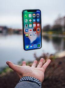 UWAŻAJ na to ze swoim iPhone 11 i 12. Możesz uszkodzić obudowę?