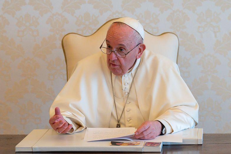 """Papież Franciszek jest przerażony. """"Planeta jest na skraju upadku"""""""