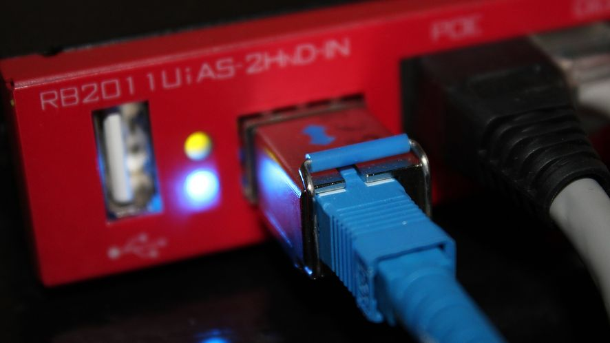 """Większość routerów na rynku to istne """"furtki"""" dla złodziei danych. Źródło: Pixabay"""
