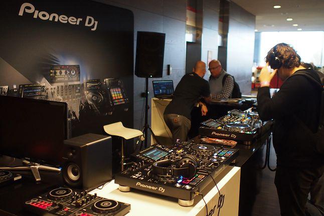 Był też sprzęt dla DJów ;)