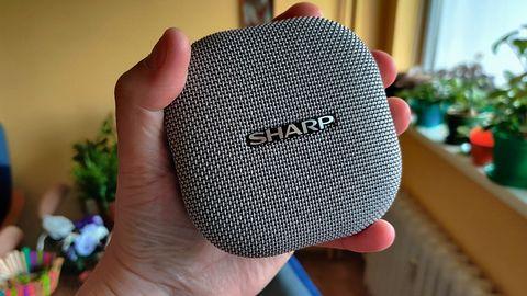 Sharp GX-BT60 - mobilny głośnik Bluetooth, w sam raz na wakacje!