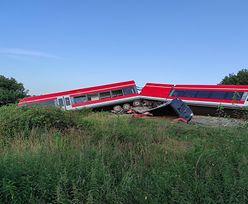 Wykolejony pociąg stał się lokalną atrakcją. Nietypowe zjawisko w Kołbaskowie