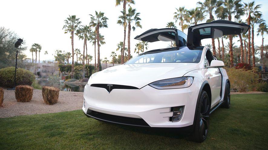 W przyszłości Tesla mogłaby dostać akumulator 109 kWh, fot. Getty Images