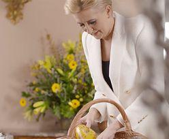 Agata Duda cała na biało. Lśni przed Wielkanocą