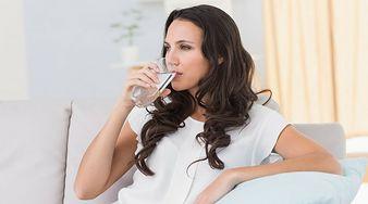 8 sygnałów świadczących o tym, że pijesz za mało wody