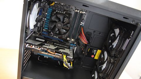 Ośmioletni Xeon w parze z Turingiem, podlany sosem RGB raz proszę!
