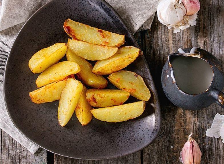 Prawdziwe ziemniaki po włosku. Dodaj parmezan