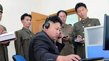 """Korea Północna straszy nie tylko bombą atomową, ale też """"bombowymi"""" grami"""