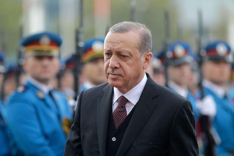 Erdogan sięga po pełnię władzy w Turcji