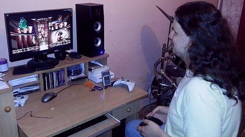 """""""Chcę po prostu grać, a nie być kimś, kto uczy się gier na pamięć"""" - wywiad z Tomaszem Tworkiem, niewidomym graczem"""
