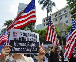 """Hongkong. Manifestanci przed konsulatem USA: """"Prezydencie Trump, prosimy"""""""