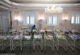 """Ukraina """"fabryką dzieci na zamówienie""""? Ukraińskie surogatki rodzą dzieci ludziom ze wszystkich stron świata"""