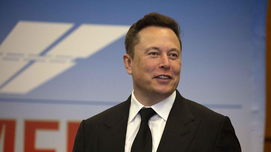 Elon Musk wdał się w dyskusję o Bitcoinie