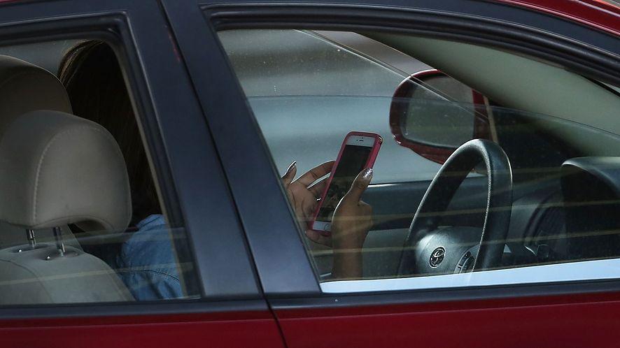 Z mPrawa Jazdy korzysta już ponad milion kierowców (fot. Getty Images)