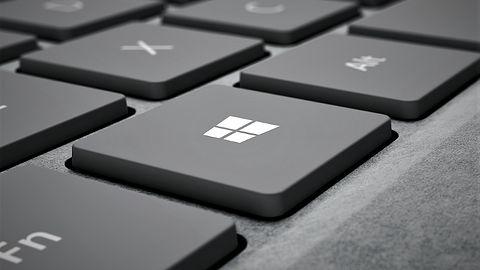 Eksplorator Windows wreszcie z ciemnym motywem – efekt daleki od oczekiwań