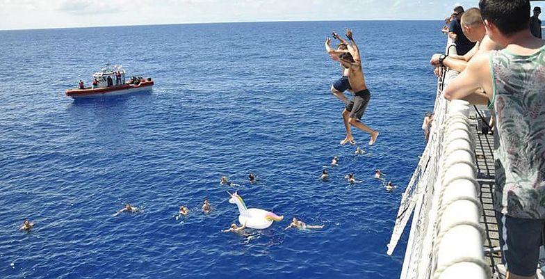 Atak rekina na Hawajach. Przerażające nagranie trafiło do sieci
