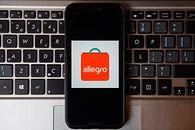 Allegro ogłasza zmiany w usłudze Smart!. Mniejsze opłaty za przesyłki kurierskie - Allegro wprowadzi zmiany w płatnościach za przesyłki (fot. Getty Images)