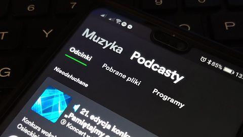 Spotify z nowym interfejsem w smartfonach: czytelny podział na muzykę i podcasty