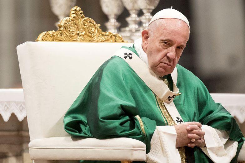 Franciszek chce się z tym rozprawić. Chodzi o pieniądze. Watykan drży