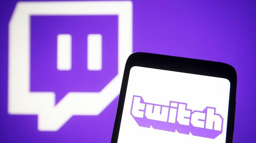 """Twitch usuwa emotkę za """"nacechowanie seksualne""""."""