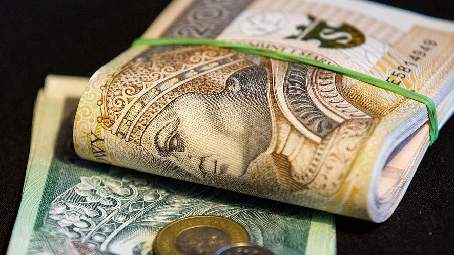 Kobieta straciła 20 tys. złotych