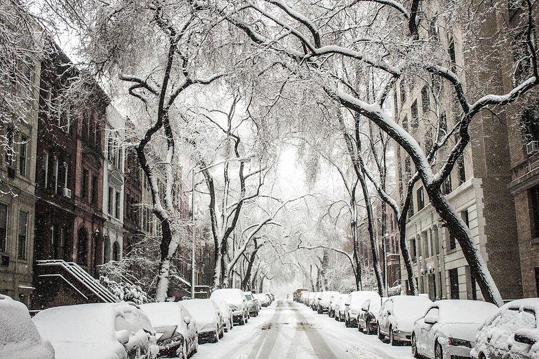 Opady śniegu w Polsce. Pogoda będzie niebezpieczna. IMGW alarmuje