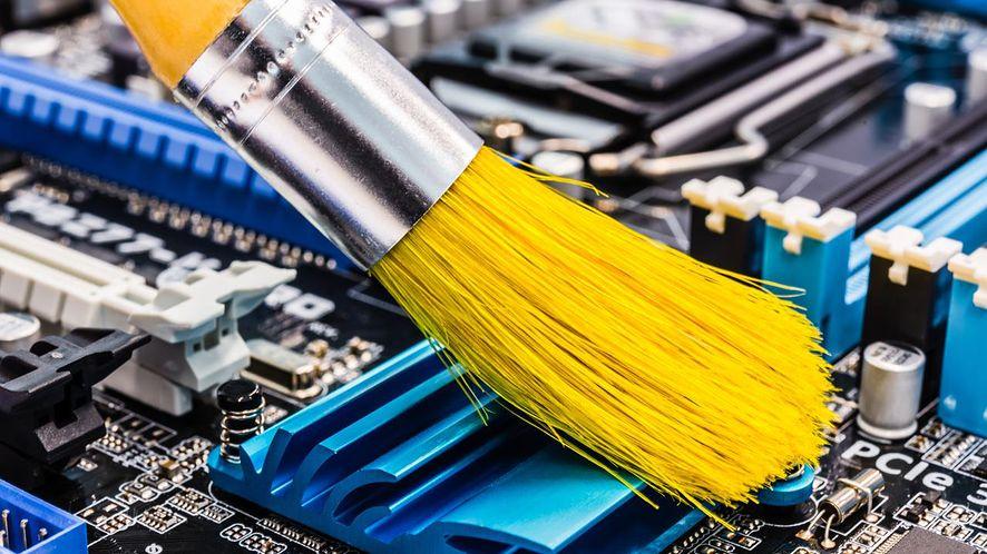 Czyszczenie komputera z depositphotos