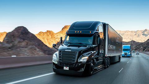 Daimler: autonomiczne ciężarówki w ciągu 10 lat. To zła wiadomość dla zawodowych kierowców
