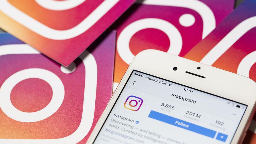 Szwajcarski scyzoryk dla zazdrosnych partnerek i partnerów do użycia na Instagramie, fot. Shutterstock.com