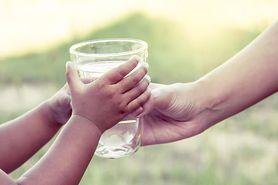 Właściwości wody - picie wody, odwodnienie, wpływ na organizm