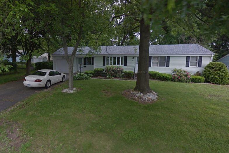 Dwie kobiety zamordowano w ich własnym domu w stanie Connecticut. Aresztowano 3 nastolatków.