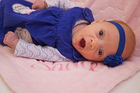 Uśmiechnięta wojowniczka. Dziewczynka urodzona o trzy miesiące za wcześnie