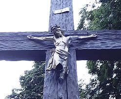 Zdjęcie z Katowic. Księża proszą o modlitwę za wandali