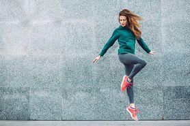 Rozgrzewka przed bieganiem – zasady treningu, ćwiczenia
