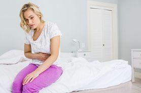 Domowe sposoby na grypę żołądkową, która często atakuje latem