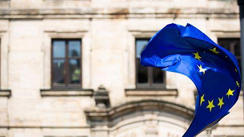 Komplikacje dla Polski z powodu 5G? Komisja Europejska interweniuje w sprawie UKE