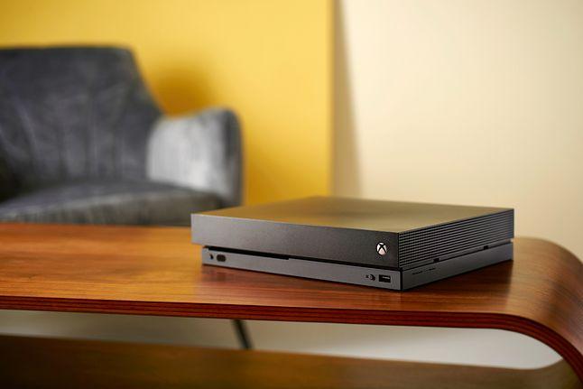 Xbox One X, najpotężniejsza konsola siódmej generacji, fot. Neil Godwin/T3 Magazine/Future/Getty Images