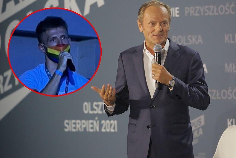 Zadał Tuskowi krótkie pytanie. Cała sala biła brawo