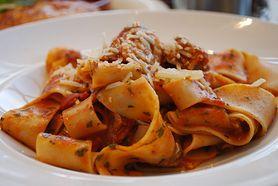 Pappardelle w sosie pomidorowym - składniki, przygotowanie, komentarz