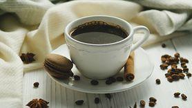 Kawa nie pomoże na kaca. Powszechny mit obalony (WIDEO)