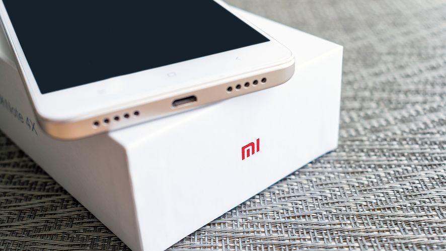 Xiaomi wprowadzi do sprzedaży smartfon z 1 GB RAM. (depositphotos)