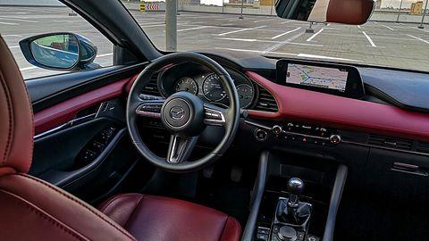Mazda 3 Sky-X: Kamery 360 stopni, Android Auto i audio Bose Premium