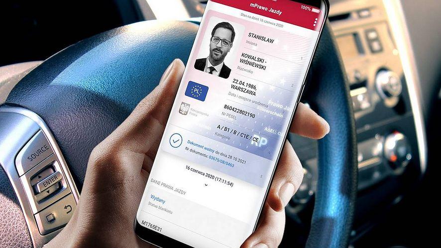Prawo jazdy w telefonie. Podpowiadamy, jak dodać je do aplikacji mObywatel