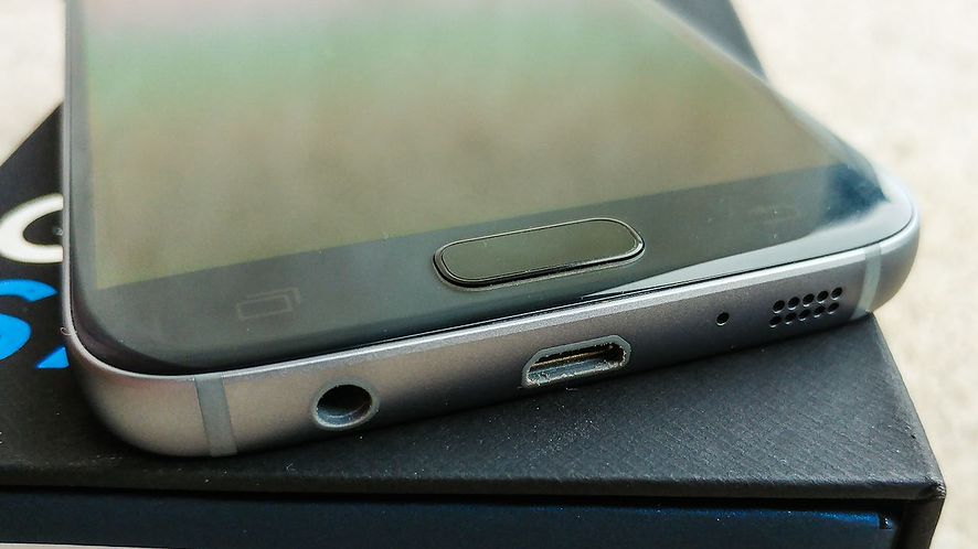 Pierwszy smartfon Samsunga bez minijacka został już pokazany. To może być początek zmian