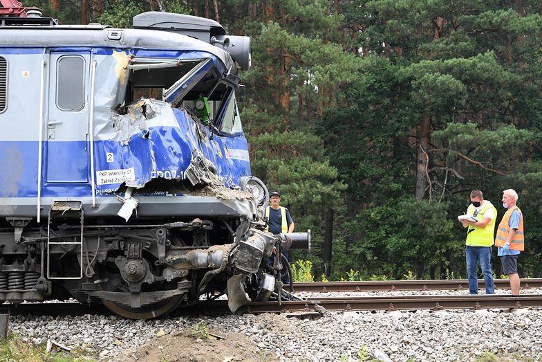 Tragiczny wypadek na Podkarpaciu. Ciężarówka wjechała pod pociąg