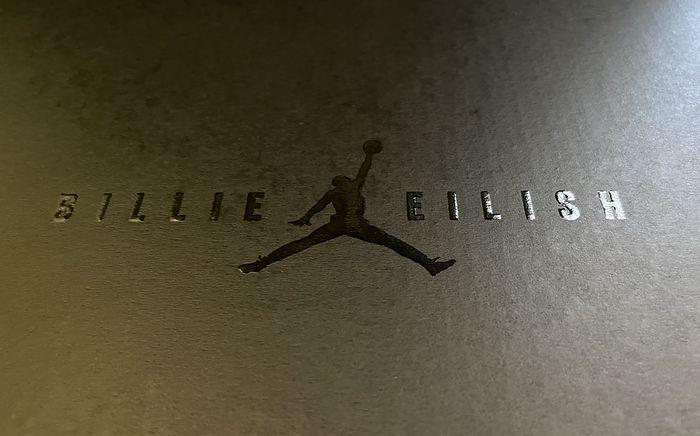 Na zdjęciu: Billie Eilish x Wmns Air Jordan 1 KO 'Volt'